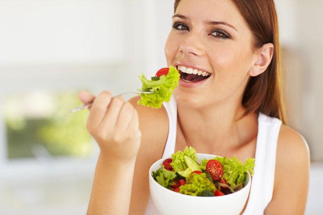 soblyudenie-diety-zhirovye-skladki-na-spine